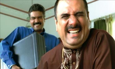 Manu Rishi and Boman Irani in Khosla Ka Ghosla