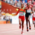 World Athletics: Dibaba out-sprints Kiprop to thrilling marathon win