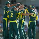 Maxwell, Johnson help Australia thump England in tri-series final