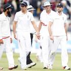Botham wants to see sporting wickets in Ashes series