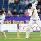 England batsmen fail to punish Sri Lanka