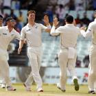 NZ lose toss, but win first session in Kolkata