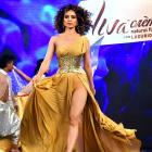 Smashing hot! Kangana Ranaut in gold