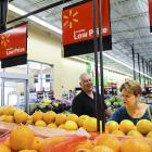 'Walmart contributes to increase in poverty'