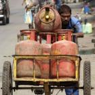 Govt must consider these factors while capping LPG subsidy