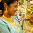 Gold falls by Rs 50 on sluggish demand