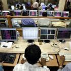 Sensex, Nifty range bound; IT stocks gain