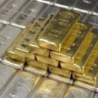 Govt cuts gold, silver import tariff