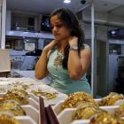 Buying gold this Dhanteras? Read this now!