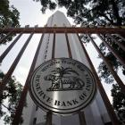 3 economists, one bank chief in fray to replace Rajan