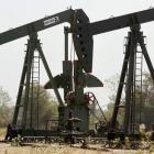 India seeks bids for oil, gas fields in first auction since 2010