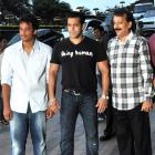 PIX: Salman, Sanjay Dutt at Baba Siddiqui's Iftar party