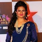 PIX: Divyanka Tripathi, Karan Mehra attend Star Parivaar awards