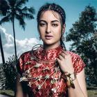 Sonakshi becomes bohemian bride