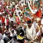 Jolt for Fadnavis, as Gadkari in race for Maharashtra CM post
