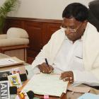 Narayanasamy stakes claim to form Puducherry govt