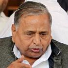 Mulayam embarrasses Akhilesh's ministers in public again