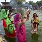 Chhath Puja comes to an end with holy dips, prayers to the sun