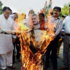 Racist comment row: Cong workers stage protest against Giriraj