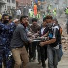 Death toll in Nepal hits 4,000 amid hunt for survivors