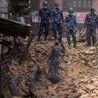 Crisis looms over quake-hit Nepal, toll rises to 4,350