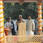Prez, PM attend prayer meet for Gandhi death anniversary