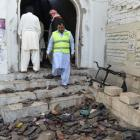 61 killed in suicide bomb attack in Shiite mosque in Pakistan
