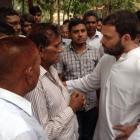 Rahul Gandhi, Kejriwal at cremation of journalist Akshay Singh
