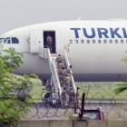 Turkish Airlines plane cleared for take off after bomb threat