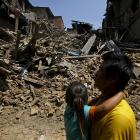 Fresh earthquake jolts Nepal; toll crosses 7,500
