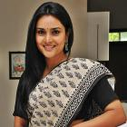 Eggs hurled at actor Ramya's car over 'Pak is not hell' remark
