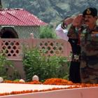 Army chief pays tribute to Kargil martyrs on Vijay Diwas