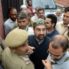 Kashmir unrest: Separatists' march foiled; Geelani, Mirwaiz detained