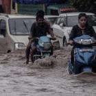 After Gurugram, now Delhi hits a gridlock