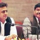 WATCH: Shivpal snatches mike from Akhilesh, calls him a liar