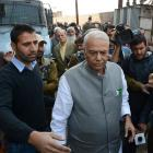 Yashwant Sinha leads team to meet Hurriyat; BJP, Centre deny sending him