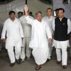 Mulayam says family united, refuses to answer 'controversial questions'