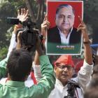 Yadav vs Yadav: Mulayam backs brother, Amar Singh