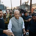 Yashwant Sinha leads team to meet Hurriyat leaders, Centre distances itself