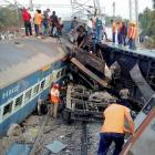 39 killed in Hirakhand express derailment in Andhra Pradesh