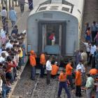 11 coaches of Mumbai-Lucknow express derail at Unnao