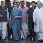 17 opposition party leaders put up united face at Sonia's lunch