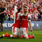 Arsenal down 10-man Chelsea to lift FA Cup
