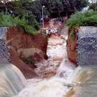 Canal wall collapses hours before Nitish was to inaugurate scheme