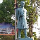 Now, Nehru's statue blackened in West Bengal