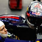 Red Bull drivers sent to back of grid in Abu Dhabi