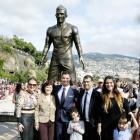 Ronaldo unveils statue sculpted in his honour