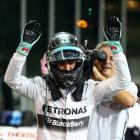 Rosberg beats Hamilton to Abu Dhabi pole