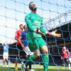 EPL PHOTOS: Clinical Everton blank jittery Man Utd