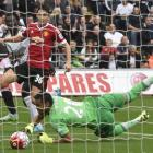 Swansea end United unbeaten start, Southampton win